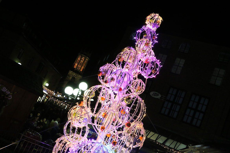 Light Up Like A Christmas Tree Christmas Lights Ideas